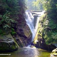 wodospad-szklarki-szklarska-porba-w-dolinie-modrzewi-agroturystyka-rudawy-janowickie-atrakcje_0