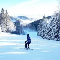 wyciag-narciarski-czarnow-rudawy-janowickie