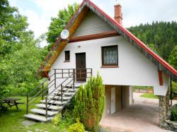 Wejście do apartamentu prosto z ogrodu - W dolinie modrzewi - Agroturystyka Rudawy Janowickie | Apartament rodzinny